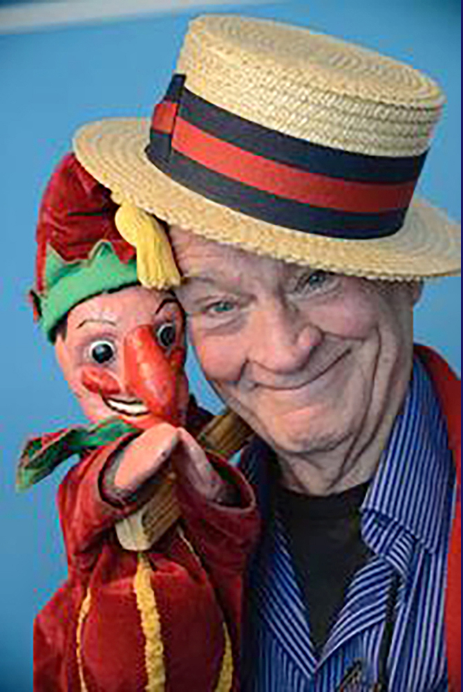 punch-judy-performer-2